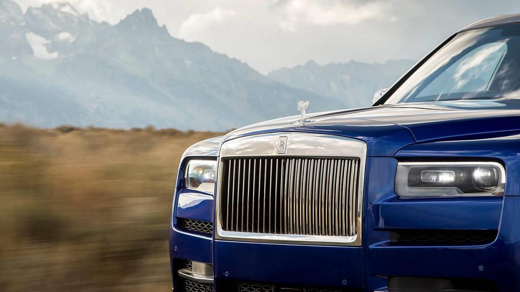 Ronaldo 'khui hộp' Rolls-Royce Cullinan, SUV sang trọng nhất thế giới