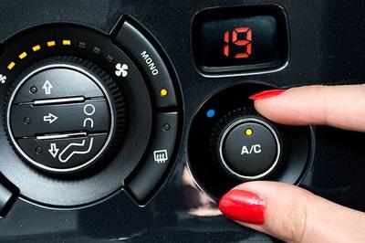 Thói quen nguy hiểm: Nắng nóng, vừa lên xe, đã bật điều hoà cực lạnh