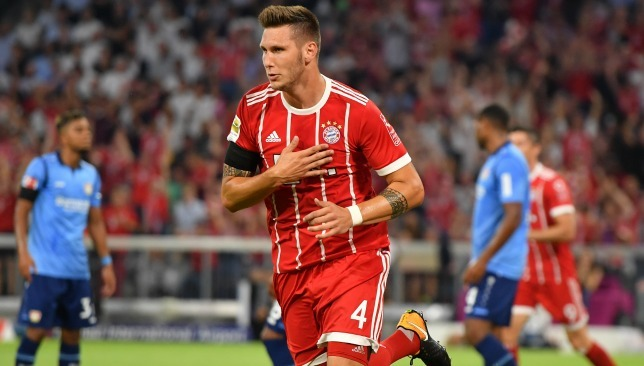 MU bốc 'tòa tháp' của Bayern, Man City thanh trừng ông kễnh