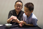 'Hòa Thân' Vương Cương 71 tuổi khoe cuộc sống vui vẻ bên con 11 tuổi