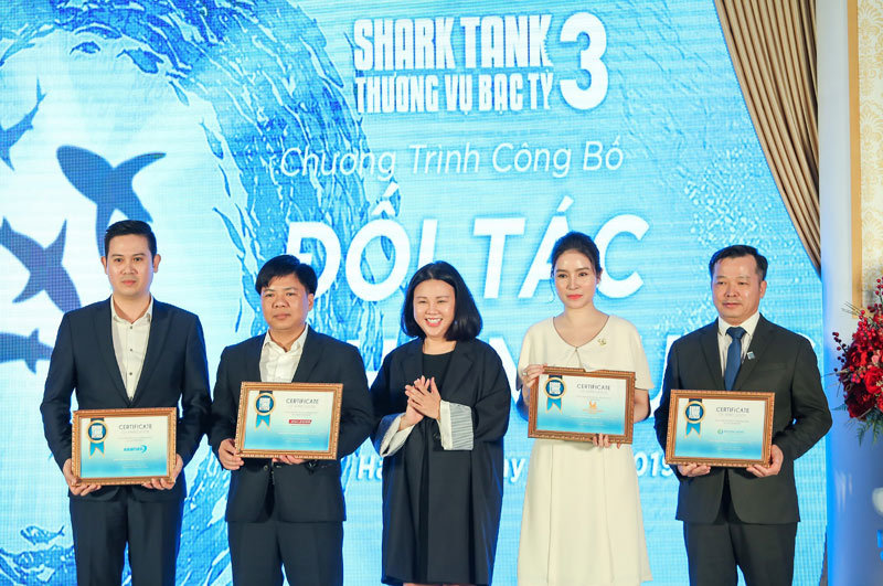 Tân Hoàng Minh đồng hành cùng Shark Tank Mùa 3