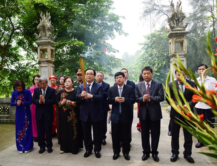 Dâng hương kỷ niệm 1080 năm Ngô Quyền xưng Vương, định đô ở Cổ Loa