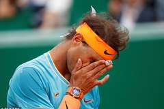 """""""Vua đất nện"""" Nadal dừng bước ở bán kết Monte Carlo"""