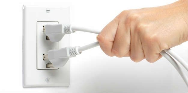 Kết quả hình ảnh cho Rút nguồn các thiết bị điện tử khi không sử dụng