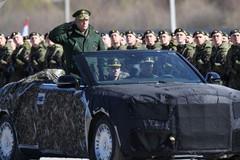 Lộ diện phiên bản mui trần của siêu xe chống đạn dành cho Tổng thống Putin
