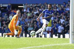 MU thua bẽ bàng 0-4 trên sân Everton