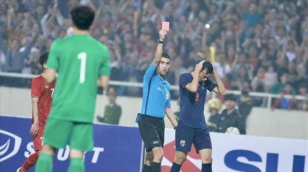 Thai striker suspended for striking Vietnamese midfielder Trong