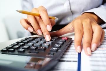 Một phụ nữ nợ thuế gần 130 tỷ: Tiền thật khủng khiếp thế nào?