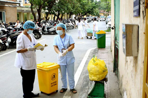 Hanoi tightens control over medical waste