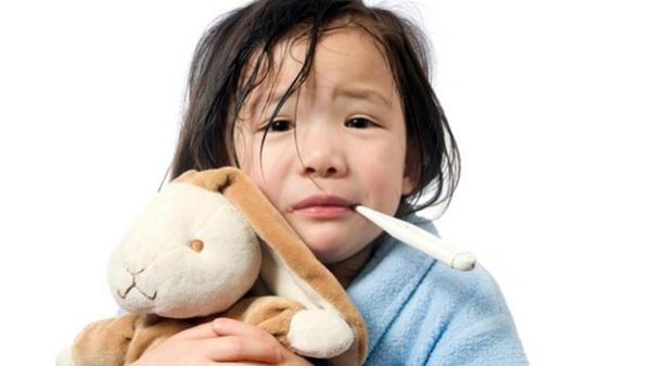 Trẻ nhiễm khuẩn đường tiêu hóa và hô hấp tăng vọt