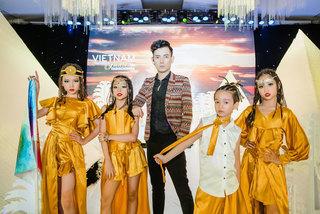 300 người mẫu nhí trình diễn tại Tuần lễ thời trang trẻ em quốc tế Việt Nam