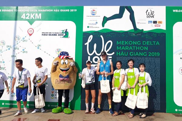 Chạy marathon, thưởng thức khoai tây Mỹ tím