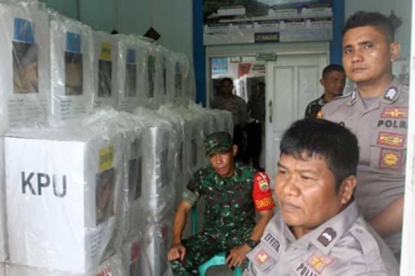 Hàng chục nhân viên và cảnh sát Indonesia hy sinh do kiệt sức vì bầu cử