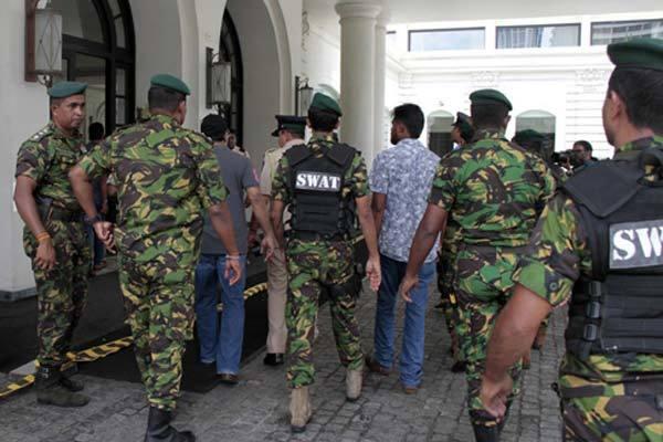 Sri Lanka phát hiện gần trăm kíp bom tại trạm xe buýt