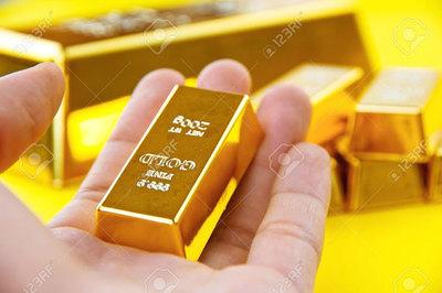 Giá vàng hôm nay 8/5: USD treo cao, vàng thoát áp lực