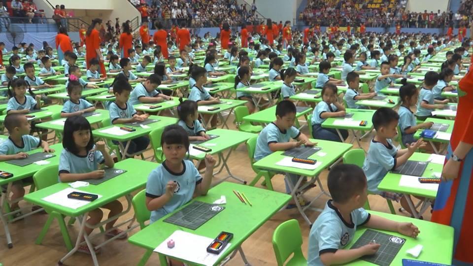 Hơn 600 học sinh mầm non đua tài tính nhẩm nhanh