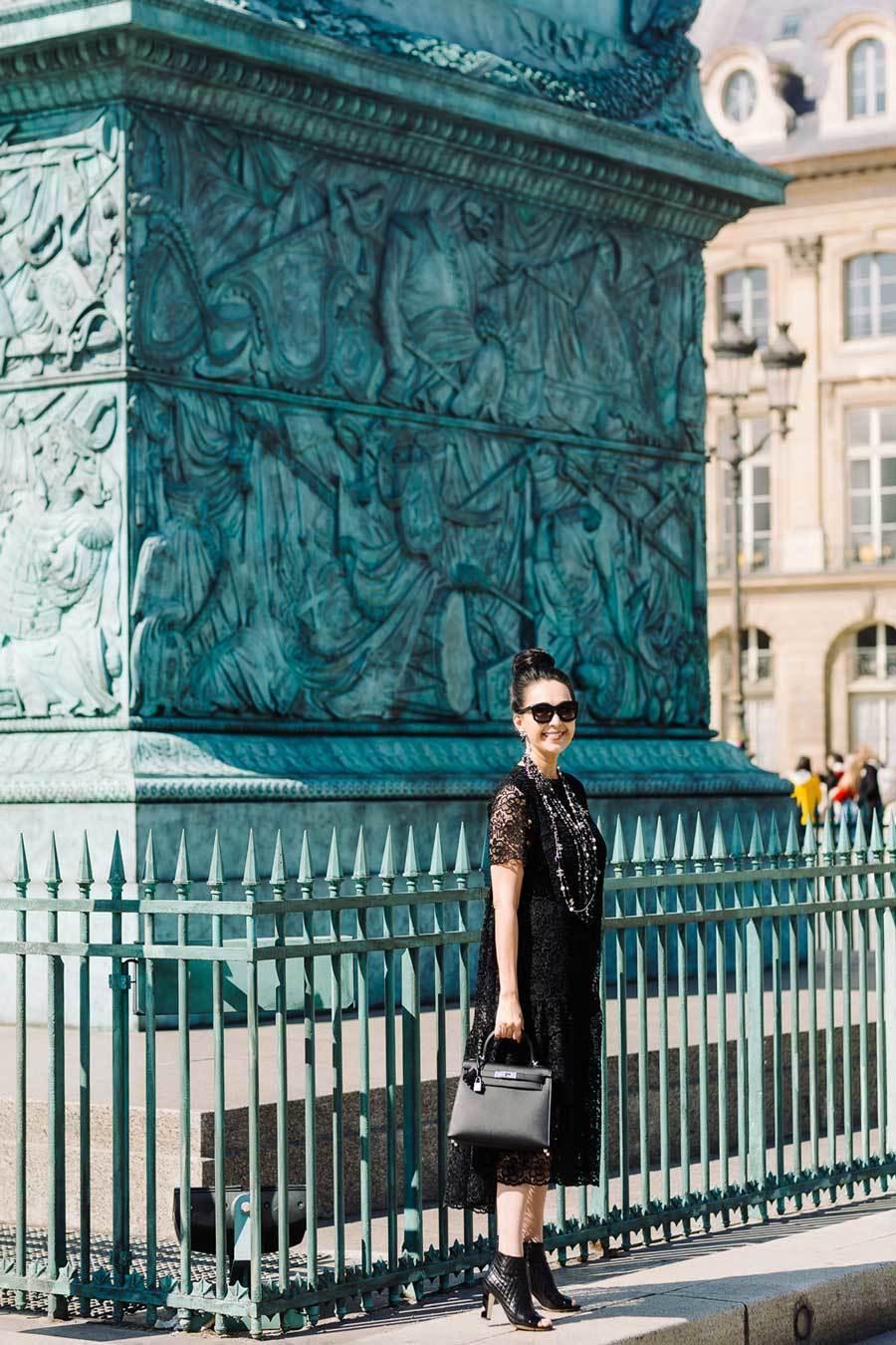 Diễm My mang 7 chiếc túi hàng hiệu giá trăm triệu sang Paris
