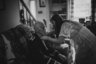 Cảm động bộ ảnh cô dâu cùng người cha mắc bệnh ung thư