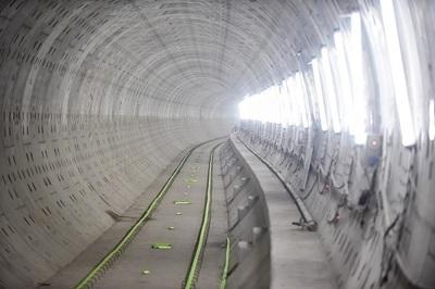 Metro đầu tiên của Sài Gòn lùi tiến độ khai thác vào cuối năm 2021