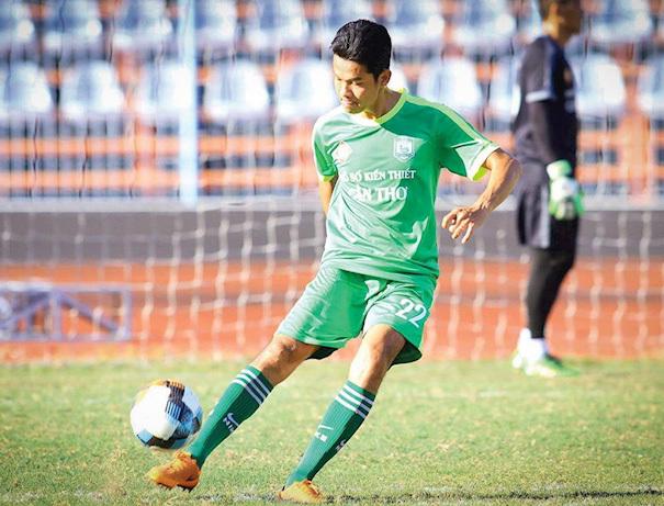Cầu thủ Cần Thơ đá phản lưới nhà như bán độ được giảm án
