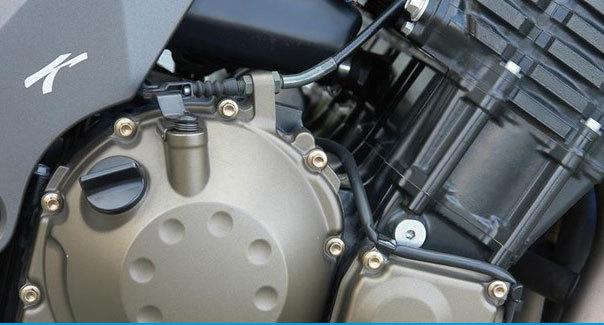 Tại sao xe máy không sử dụng động cơ dầu diesel?