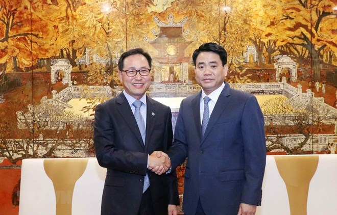Hanoi vows to facilitate construction of Samsung R&D centre