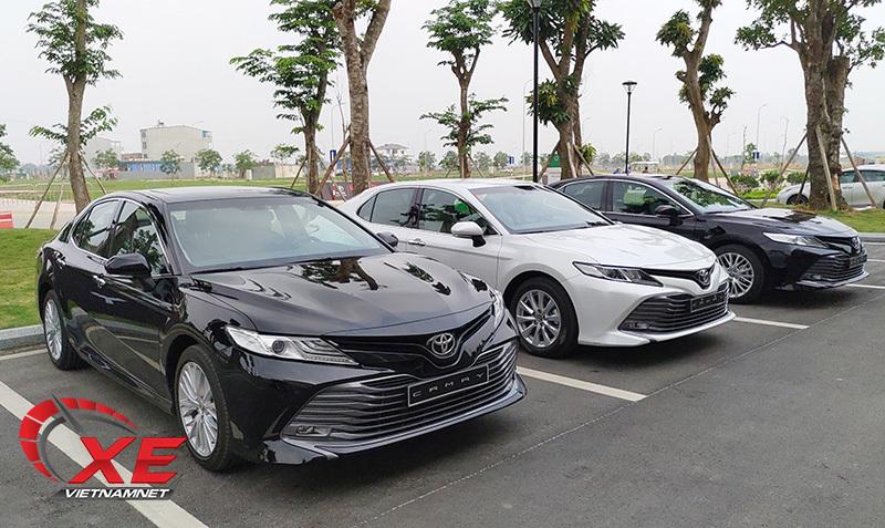 Chuẩn bị đón hè, thị trường ô tô Việt liên tục ra xe mới