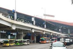 Không thu phí xe ô tô ra vào, đón trả khách tùy theo từng sân bay