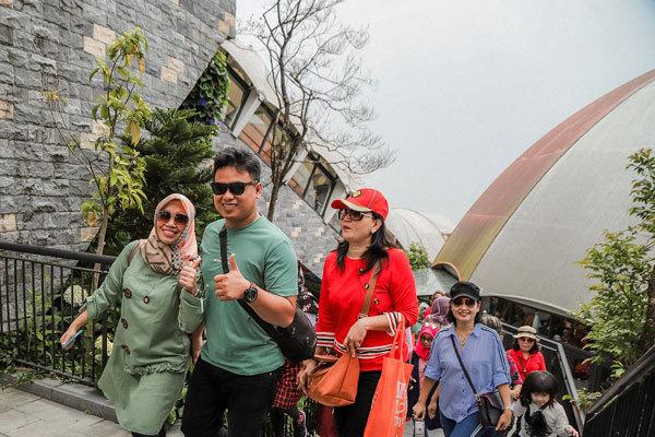 Hơn 3.000 du khách Indonesia 'đổ bộ' Bà Nà Hills