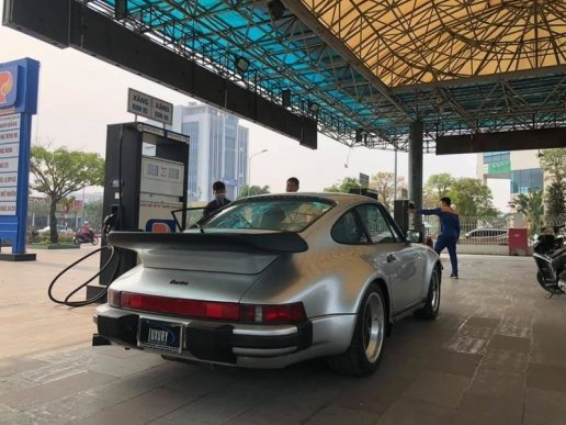 Siêu phẩm Porsche 930 Turbo độc nhất Việt Nam mang biển mới vi vu phố Việt