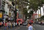 Cháy lớn nhà mặt phố, trung tâm Sài Gòn náo loạn