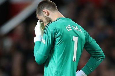 "MU thua 7/9 trận: Phải ""thanh trừng"" ngay De Gea"
