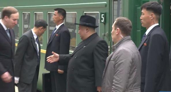 Cận cảnh 'dàn vệ sĩ chân dài' của Kim Jong Un đang gây sốt ở Nga