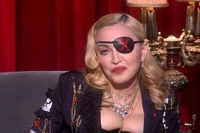 Madonna mặc gợi cảm 'o ép' vòng một bất chấp tuổi 60