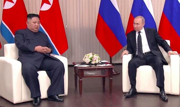 Kim Jong Un chính thức hội đàm với Putin