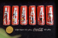 Bộ lon Coca-Cola độc, lạ đốn tim khách Việt