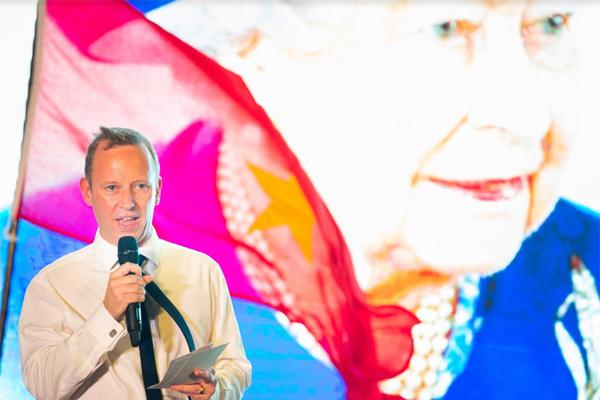 Anh cam kết xây dựng quan hệ bền chặt với Việt Nam