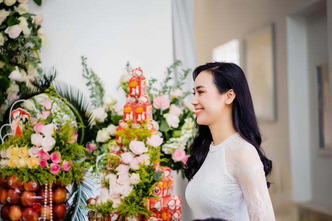 Trương Kiều Diễm X-Factor đẹp rạng ngời trong lễ đính hôn ở quê nhà