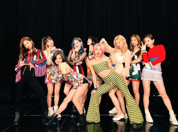 Sao Hàn,Red Velvet,SNSD,BTS,TWICE,Weki Meki,Lee Min Ho,Chanyeol,EXO,WINNER