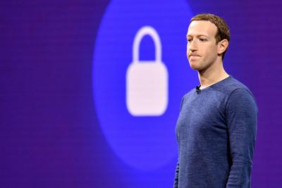 Facebook liên tục bị trừng phạt tại Mỹ, Canada