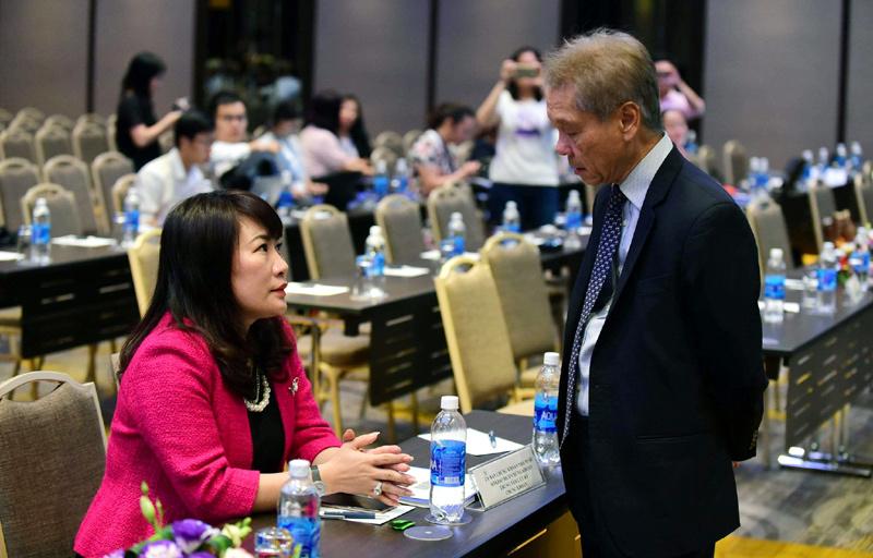 chủ tịch Eximbank,Eximbank,HĐQT Eximbank,Lê Minh Quốc,Lương Thị Cẩm Tú,lương sếp ngân hàng