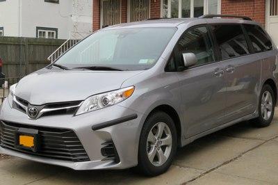 Toyota thu hồi lượng lớn Sienna và Yaris bị lỗi ở Mỹ