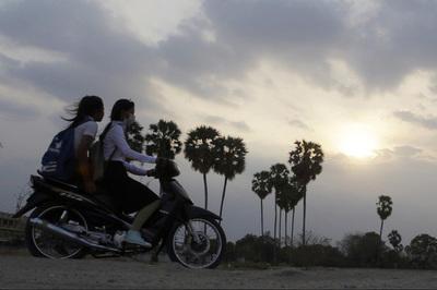 Campuchia giảm giờ học hàng ngày do thời tiết nắng nóng