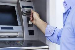 Tiêu tiền người khác chuyển nhầm vào tài khoản có thể lĩnh 7 năm tù