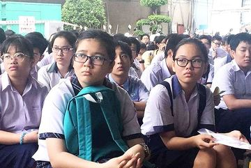 More Vietnamese parents send children abroad for secondary education
