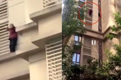 Bị nhốt trong nhà, bà lão 90 tuổi trèo tường xuống đất