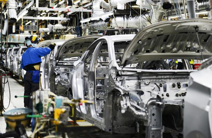 thuế nhập khẩu linh kiện,sản xuất linh kiện,linh kiện ô tô,công nghiệp ô tô,công nghiệp hỗ trợ,tỷ lệ nội địa hóa ô tô,xe nhập khẩu,xe lắp ráp trong nước
