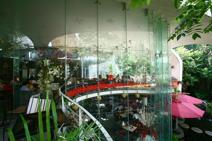 Green coffee shop helps visitors escape summer heat in HCM City