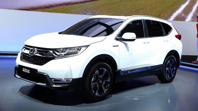 Những mẫu xe ô tô nào tiết kiệm xăng, giá 'mềm'?