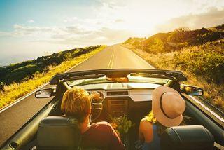 Lái ô tô đường dài dưới trời nắng nóng cần chú ý gì?